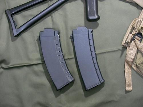 東京マルイ AK102 マガジン比較
