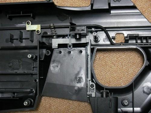 G&G F2000 マガジンキャッチ 修理